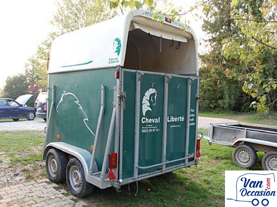 cheval liberte 2002xl van occasion. Black Bedroom Furniture Sets. Home Design Ideas