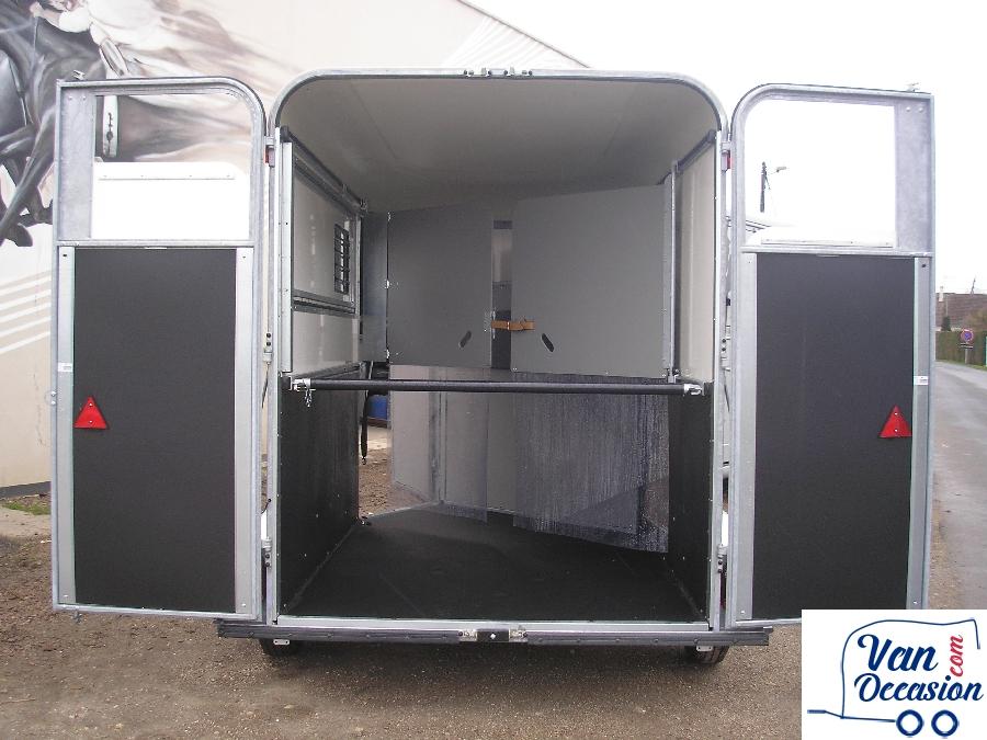 van chevaux oblic 2 van occasion. Black Bedroom Furniture Sets. Home Design Ideas