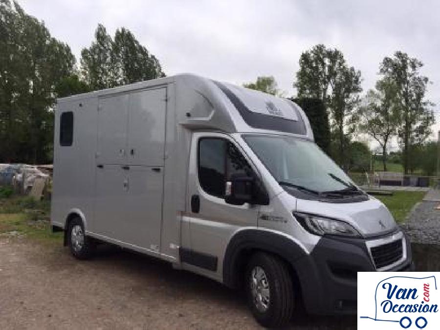 theault peugeot 2015 23000km a vendre van occasion. Black Bedroom Furniture Sets. Home Design Ideas