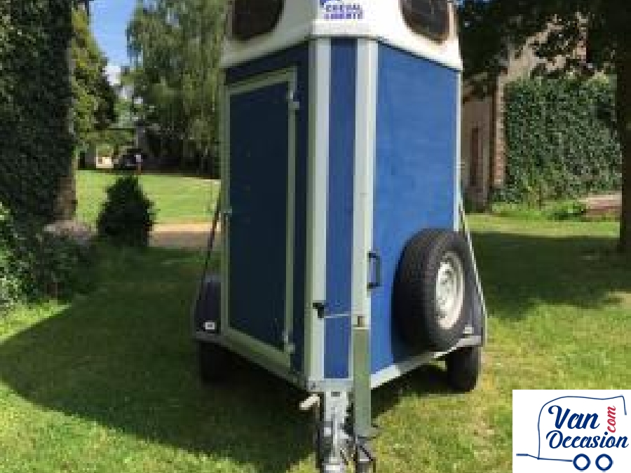 vans chevaux d occasion tracteur tom rod o. Black Bedroom Furniture Sets. Home Design Ideas